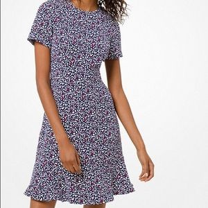 Heart-print flounce dress